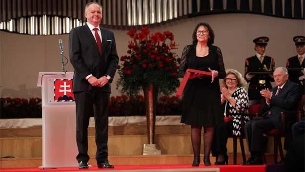 President Kiska udělil státní vyznamenání i osobnostem z Česka