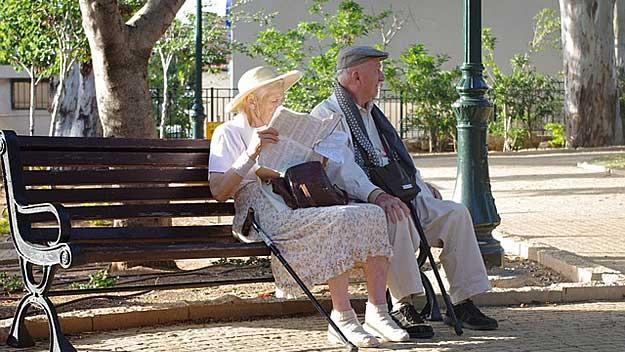"""Kdo může """"odejít"""" do starobního důchodu v roce 2018"""