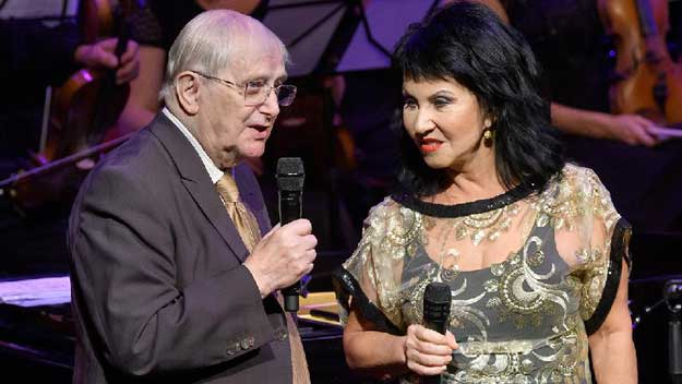 Suchý a Martinová gratulovali k výročí Fine Gospel Time
