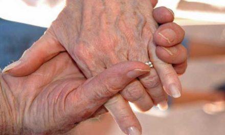 Studie: Mnoho dospělých ve věku 65 až 80 let jsou sexuálně aktivní