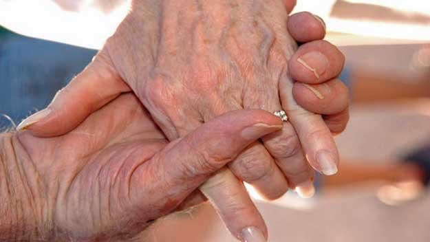 Studie: Sexuálně aktivních je mnoho 65 až 80 letých