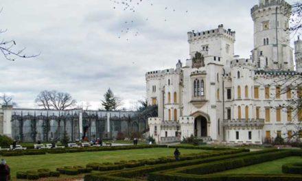 Pozvánka na výlet Hluboká nad Vltavou a barokní zámeček Ohrada