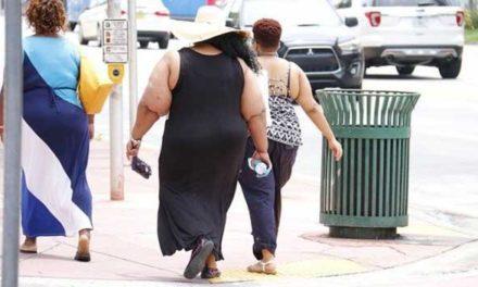 Operace žaludku kvůli obezitě stojí pojišťovny desítky milionů Kč