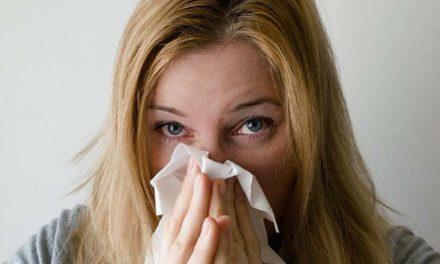 Covid-19 vs. chřipka. Chřipce lze předejít očkováním, přesto jej využívá málo lidí