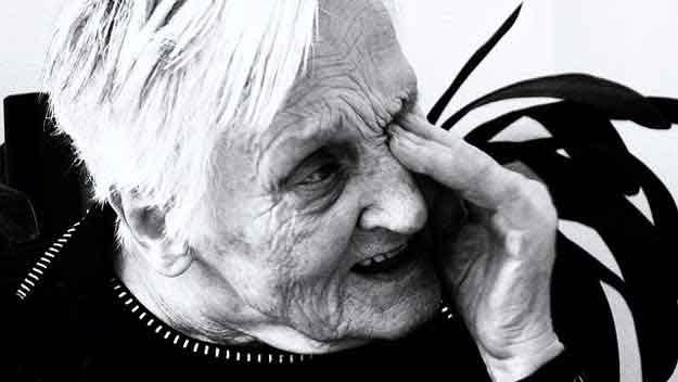 Důchodci mají šanci získat jednorázový příspěvek 5000 korun