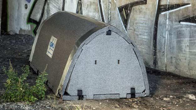 Iglou pomáhají lidem bez domova