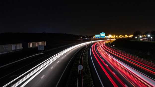 Kdo si musí pořídit e-vinětu, čili elektronickou dálniční známku