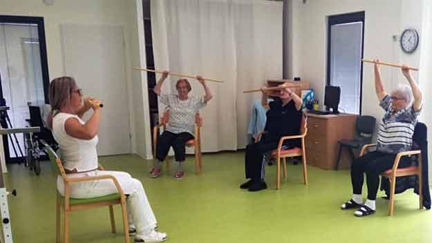 Vhodným cvičením snížili v SeniorCentru Šanov pády klientů o třetinu