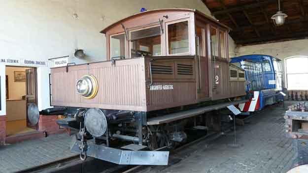 Vzácná akumulátorová lokomotiva v Národním technickém muzeu